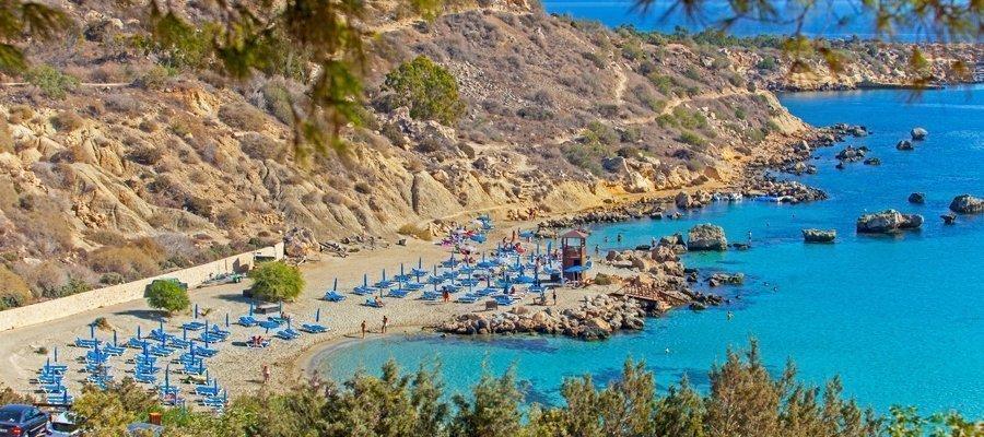 Κίνδυνος εγκλωβισμού λουομένων στην παραλία Κόννος | Stockwatch - Παράθυρο στην Οικονομία