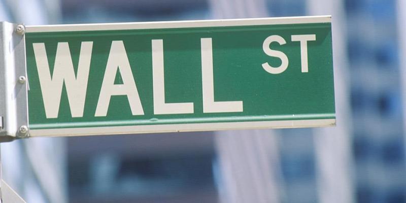 Συνεχίζει ανοδικά η Wall Street με το βλέμμα στο εμπόριο