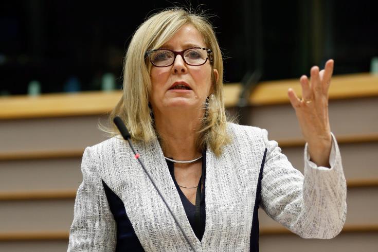 Εύσημα της Ευρωπαίας Διαμεσολαβητού προς την Κομισιόν για Brexit