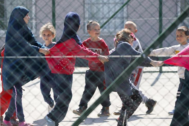 Αυστρία: Το κοινοβούλιο ενέκρινε νόμο που απαγορεύει την ισλαμική μαντίλα στα πρωτοβάθμια σχολεία