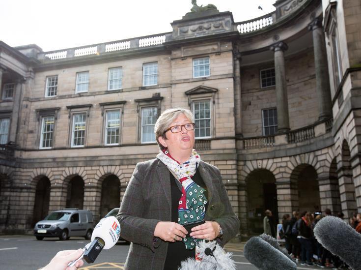 «Σκανδαλώδη» χαρακτηρίζει την αναστολή της Βουλής το Εφετείο του Εδιμβούργου